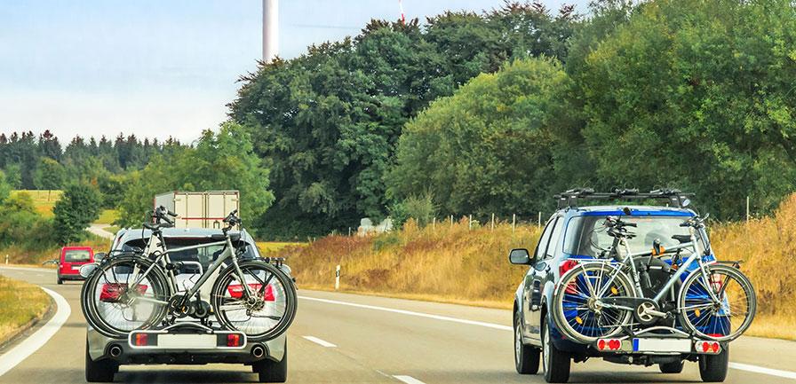 Så låser du fast cykeln på Thules cykelhållare